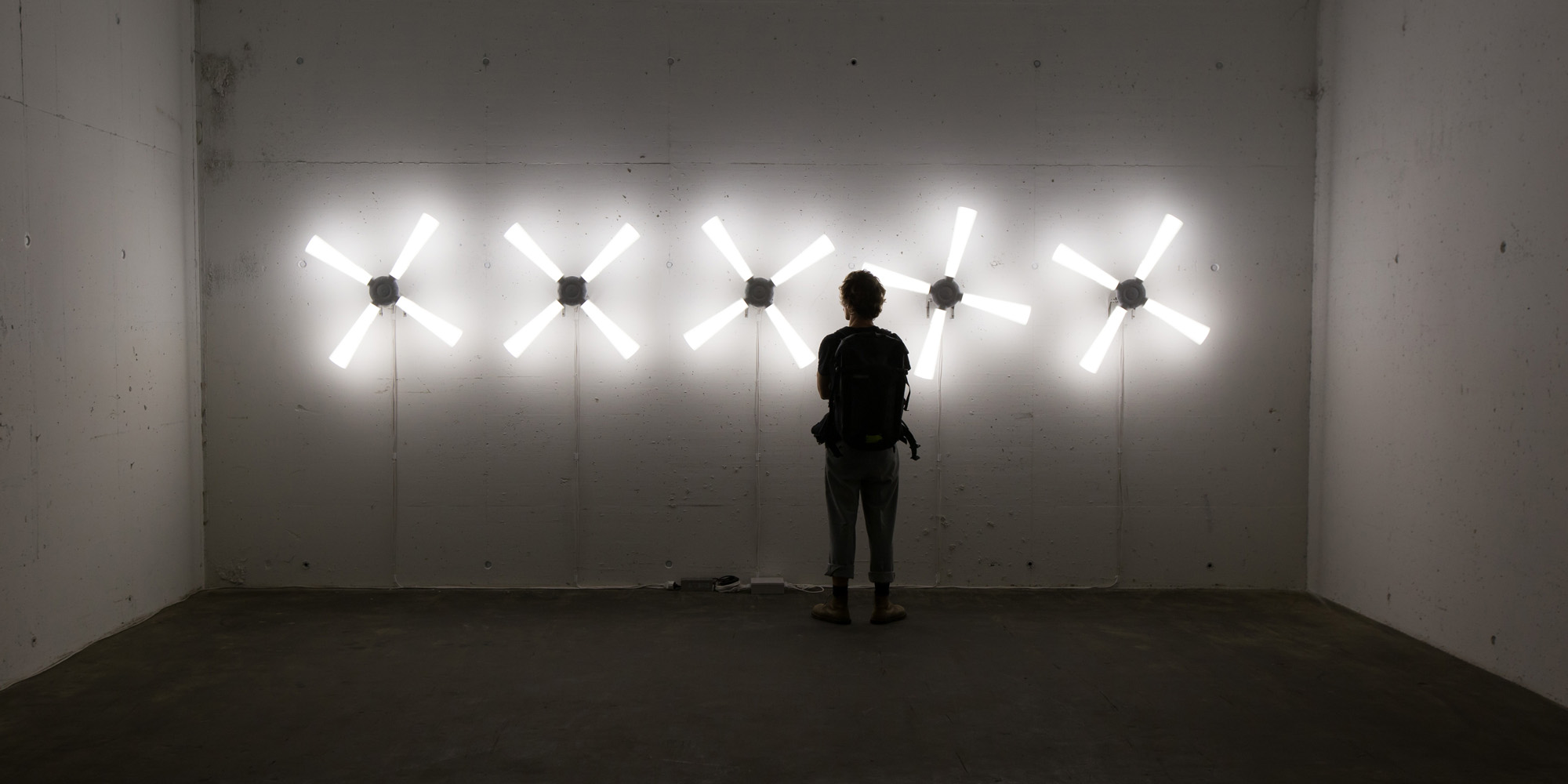 bunker_rotatinglights_tom