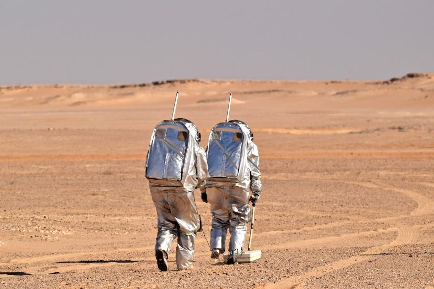 2018_02_09_potd_astronauts_on_EVA