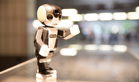 RoBoHoN_tom mesic_590x350