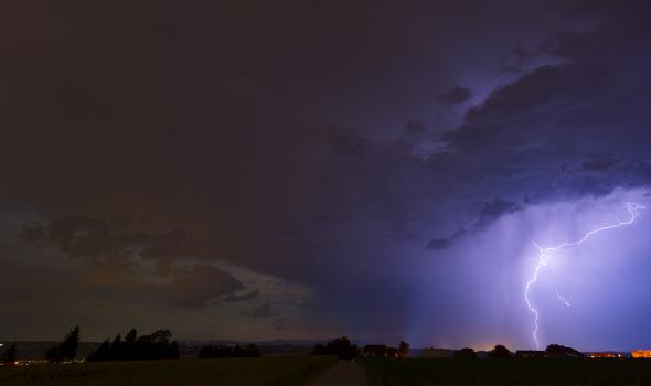 Deep Space LIVE: Blitze – Hochspannung am Himmel