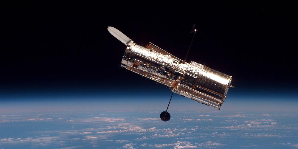Hubble_in_free_orbit_1000x500
